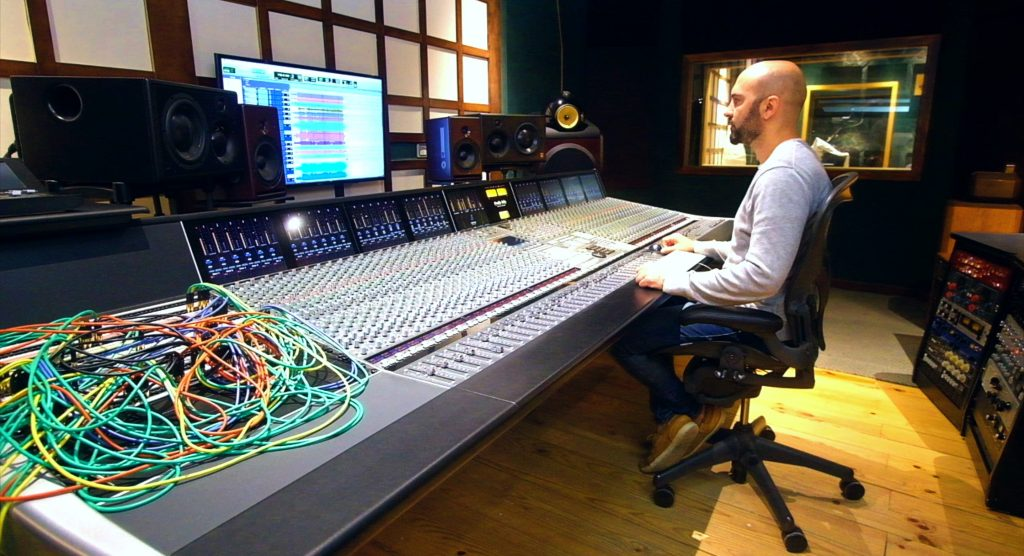 Estudio Sacramento's audio engineer testing out the 10MX Atomic Clock