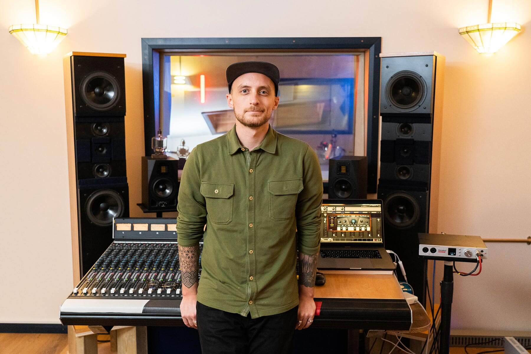 Producer Danny Trachtenberg Joins Forces With J Warner to Test the Discrete 4 Synergy Core and Edge Solo