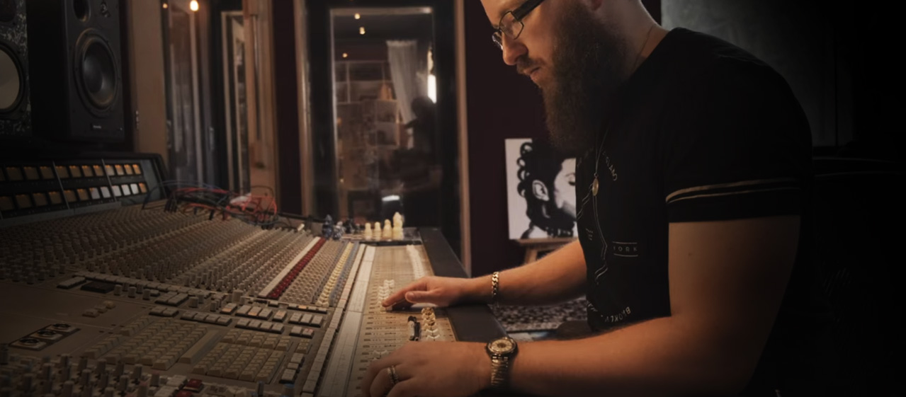 "Hybrid Mixing Sessions at ""The Friary Studios"" (Video Series)"